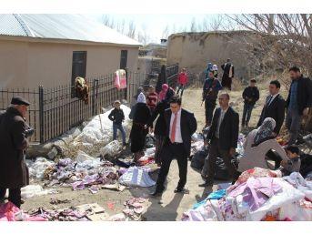 Kaymakam Öztürk, Evi Yanan Aileye Sahip Çıktı