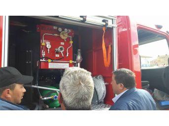 Türkiye Belediyeler Birliği, Akharım Beldesine İtfaiye Aracı Hibe Etti