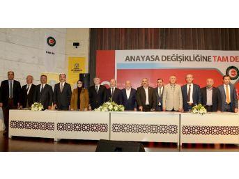 Konya'da Belediye İşçilerinin Sözleşme Sevinci