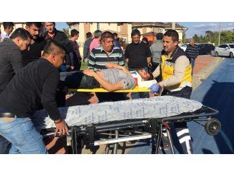 Manavgat'ta Kaza Yapan Araç Duvara Çarparak Durdu