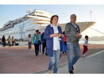 Celestyal Olympia Kuşadası'na Turist Getirdi