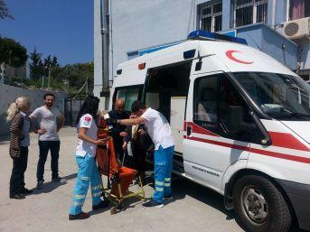 Kuşadası'nda Hastalar Ambulansla Oy Kullanmaya Geldi