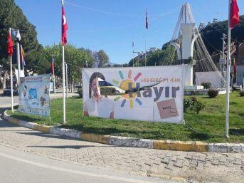 Ödemiş'te 'hayır' Pankartlarına Saldırı