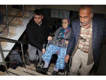 Engelliler, Vatandaşların Yardımıyla Oy Kullandı
