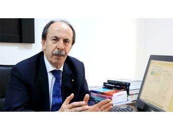 Arü'lü Akademisyen Türkiye Tıp Tarihine Geçti