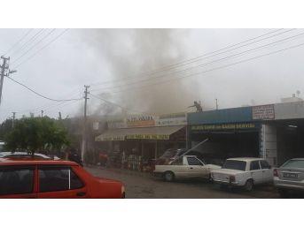 Kuşadası Sanayi Sitesi'nde Yangın