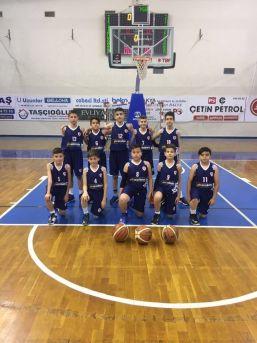 Başkan Yücel Yılmaz'dan Minik Basketçilere Tebrik