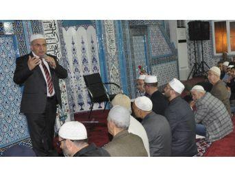 Edremit Alsancak Camii'nde Dünya Hafızlarından Kuran-ı Kerim Ziyafeti