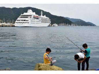 Yolcu Gemisi Marmaris'e Turist Getirdi