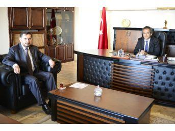 Civak'tan Rektör Özer'e Teşekkür Ziyareti