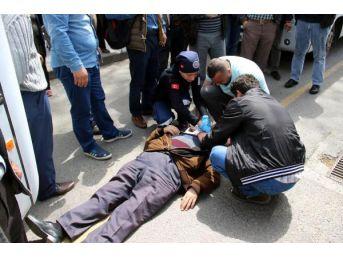Kazada Yaralanan Eşine, 'oh Olsun' Diyerek Tepki Gösterdi