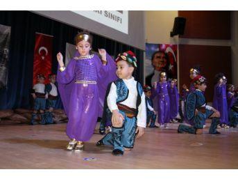 Miniklerden 'kültürümle Büyüt Beni' Gösterisi