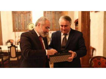 Azerbaycan'ın Kurucusu Mehmed Emin Resulzade'nin Torunu Ankara'ya Geliyor