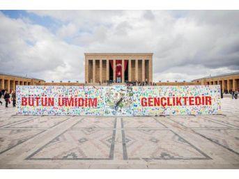 İngiliz Ressam Ned Pamphilon, Anıtkabir'de Tuvalinin Başına Geçti