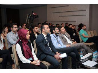 Gençler Antalya'da Yerel Basının Dijital Dönüşümünü Tartıştı