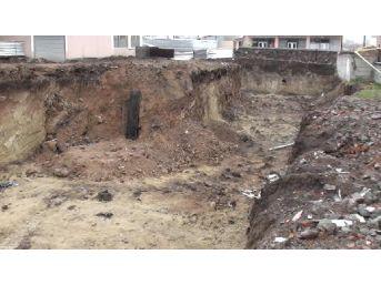 Ardahan Belediye Başkanı: Bölgede Hıristiyan Ve Müslümanlara Ait Mezarlar Var