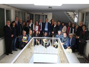 Sökeli Şair Ve Yazarlarla A Takımı 23 Nisan'ı Unutmadı