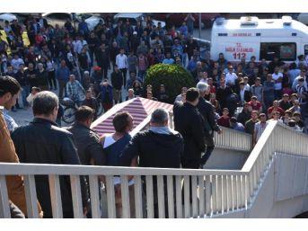 Üst Geçitte Intihar Girişimini Polis Engelledi
