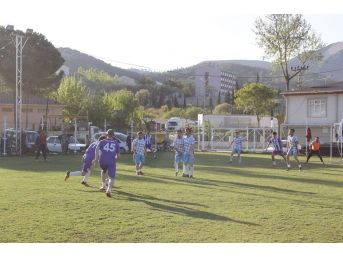 Vezirhan'da Futbol Turnuvası Tertip Komitesinden Oyunculara Ceza Yağdı