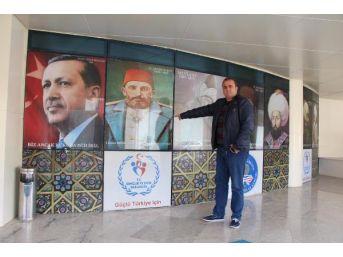 Yurtta 'atatürk Fotoğrafı' Tartışması