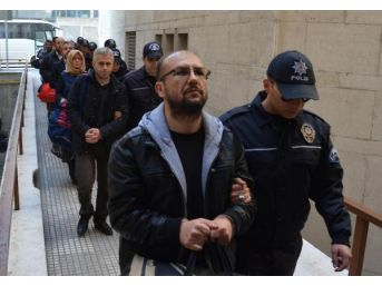 Bursa'da Fetö Şüphelisi 13 Eski Sgk Çalışanı Adliyede