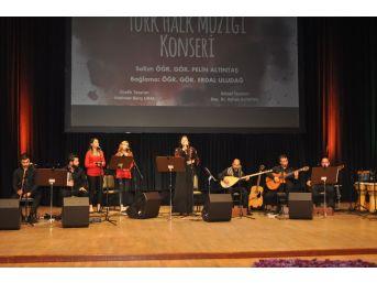 Anadolu'da Türk Halk Müziği Konseri