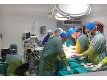 Dörtyol'da İlk Skolyoz Ameliyatı Yapıldı