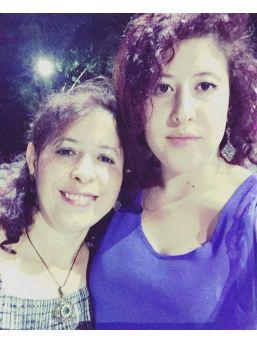 Refüjdeki Ağaca Çarpan Otomobilde Anne Öldü, Kızı Yaralandı ...