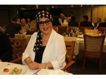 Türkan Şoray İzmir'de Görüntülendi