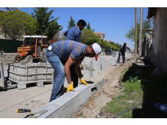 Karaman Belediyesi Kaldırım Ve Asfalt Çalışmalarını Sürdürüyor