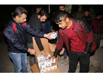 Karaman Belediyesi Kandil Simidi Dağıttı