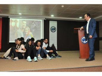 Kmü'de Öğrenciler İçin Kişisel Gelişim Zirvesi