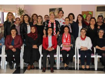Farklı Düşüncedeki Kadınlar Sivasspor İçin Buluştu