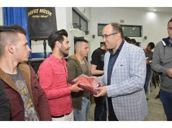 Sandıklı Belediyesi Asker Adaylarına Eğlence Tertip Etti