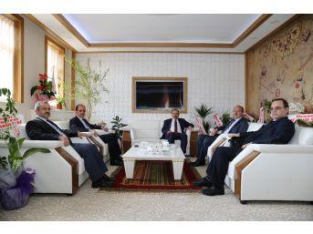Vali İsmail Ustaoğlu, Rektör Selçuk Coşkun'u Ziyaret Etti