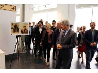 Dünya'da Seramik Sergisi, Kağıt Müzesi'nde Sergileniyor