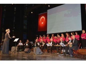 Tangolar Konserinde Nostalji Rüzgarı Esti