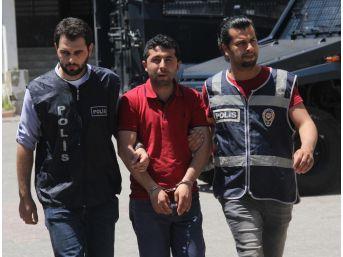 Polis Sigara Saydı, Kaçakçı Baktı