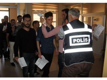 Sınava Geç Kalan Kpss Adayları Kapıdan Geri Döndü