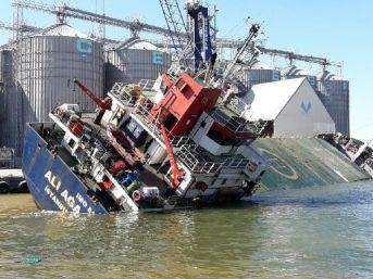 Bandırma'Da Batan Gemide Bulunan 12 Ton Yakıt Tahliye Edilecek