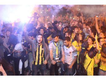 Denizli'de Fenerbahçe'nin Şampiyonluğu Kutlandı