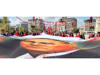 Sivas'ta 19 Mayıs Törenle Kutlandı