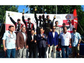 Offshore'da Büyükşehir'in Kupasını Yuka Yachts Kazandı