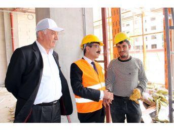 Sgk Başkanı Bağlı İnşaat İşçileriyle Bir Araya Geldi