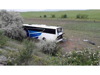 Ankara'da Otobüs Şarampole Yuvarlandı: 8 Ölü 34 Yaralı (2) (Yeniden)