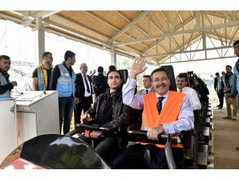 Başkan Gökçek, Turizmcilere Ankapark'ı Gezdirdi