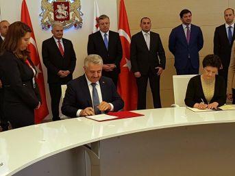 Ulaştırma Bakanı Arslan, Gürcistan Adalet Bakanı İle İş Birliği Mutabakat Zaptını İmzaladı