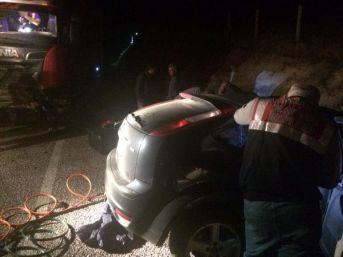 Otomobille Tır Çarpıştı: 4 Ölü, 1 Yaralı