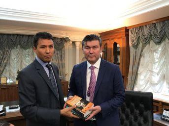 Kazak Türkleri'nden Saparbekuly'e Ziyaret