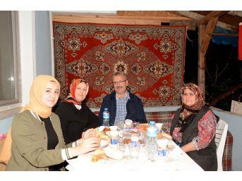 Başkan Özkan İlk İftarı Şehit Ailesinin Evinde Yaptı